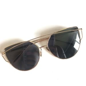 Oversized Minimalist Cat Eye Gold Sunglasses